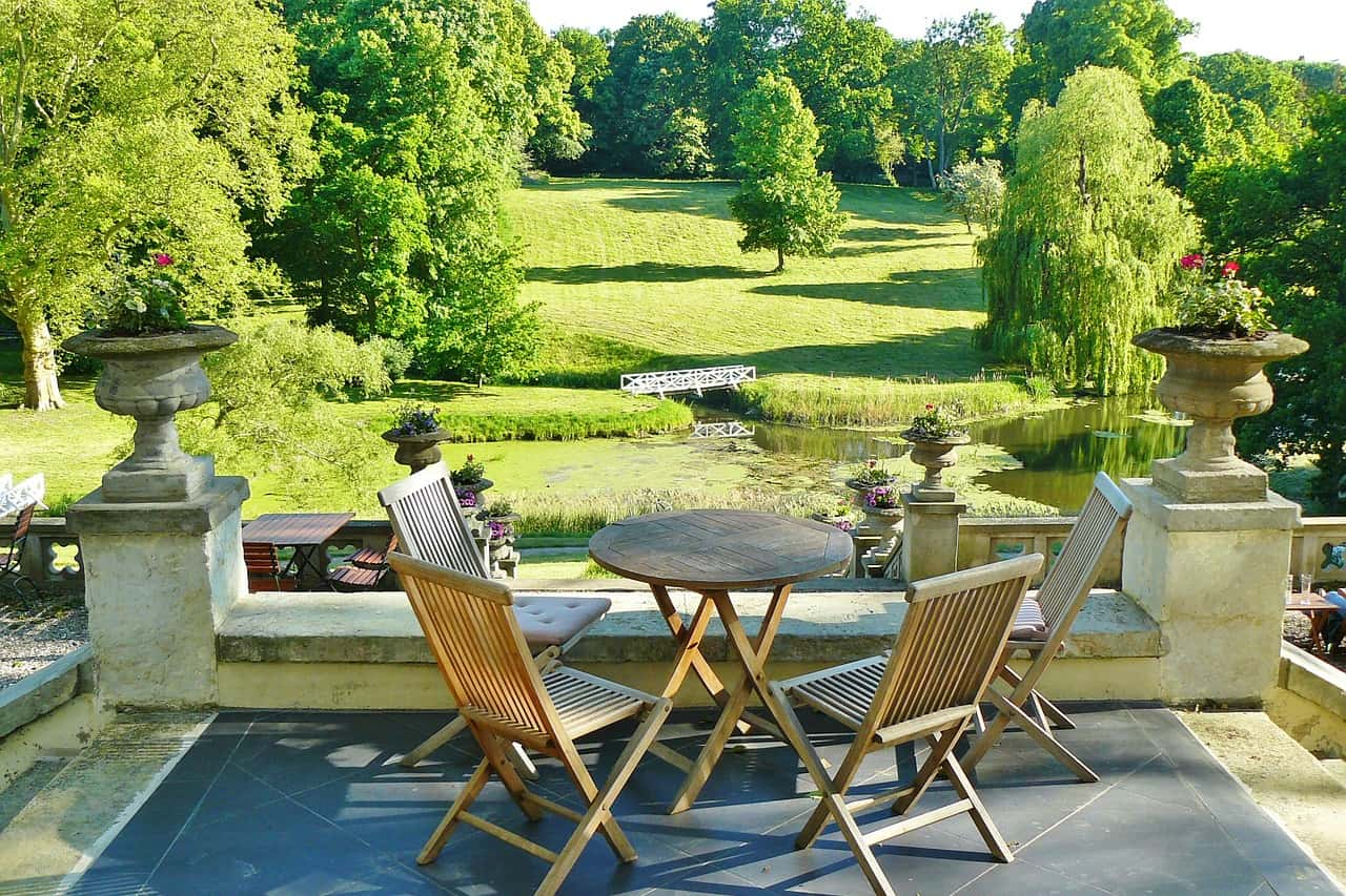 Tips to Make Your Backyard and Patio Usable All Year Allenr+Roth tw